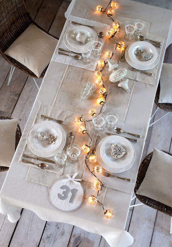 tavola di natale bianco